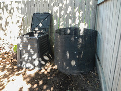 Expanding the Compost Bin (EverydayUrbanGardener) Tags: compostbin