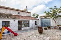 Patio y Barbacoa (brujulea) Tags: casa patio murcia casas maxima barbacoa yecla rurales brujulea