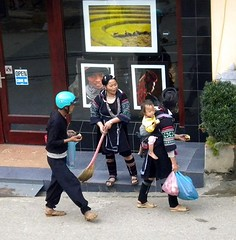 Sapa--Hmong women, Viet Nam (LarrynJill) Tags: street travel vacation asia vietnam picnik sapa hmong 2010