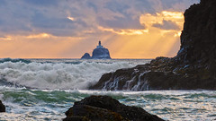 Tillamook Rock Lighthouse, Oregon (Mr. Ansonii) Tags: sunset lighthouse oregon portland seaside day waves cloudy pacificocean pacificno
