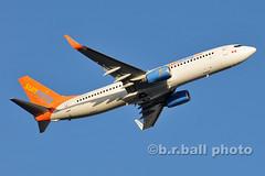 BRB_9773ces c (b.r.ball) Tags: aviation boeing hog yyz holguin sunwing torontopearsoninternationalairport cflsw 7378hx brball wg9644