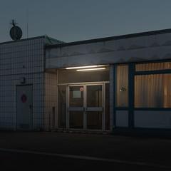 (matthiaswerner) Tags: hamburg parking parkdeck neon light licht tür door rooftop