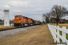 BNSF 5950 | GE ES44AC | NS Memphis District (M.J. Scanlon) Tags: bnsf coal empty ns norfolksouthern collierville tennessee picketfence white ge es44ac rail railroad railway track engine locomotive cars night nighttime light horsepower trip route scanlon canon digital 7d 5950