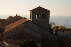 I simboli della città guardano il mare (s81c) Tags: panorama campanile belltower mare sea mareadriatico adriaticsea trieste simboli emblemi emblems alabarda halberd
