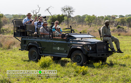 Safari vehicle arriving to breakfast