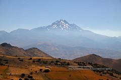Erciyes Volcano (blauepics) Tags: turkey landscape volcano türkiye hills berge türkei valley landschaft tal cappadocia anatolia göreme vulkan kappadokien anatolien erciyes
