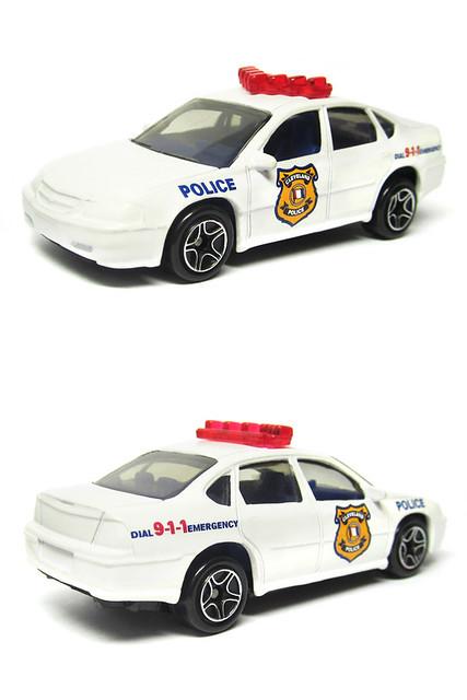 white policecar 164 matchbox patrolcar chevroletimpala diecastcar 2000chevroletimpala