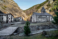 Living in Tor, Pallars Sobira, Catalunya, Spain (lutzmeyer) Tags: old november autumn history church