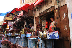 souq in sanaa (lercherl) Tags: yemen sanaa yaman jemen     jeemenis