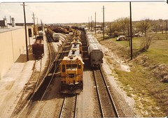 CF7s In Cleburn Tx (Hair_Farmer_184) Tags: santafe trains railroads cf7 cleburnshops cleburntexas