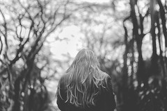 Brunella (Adrielly .) Tags: park winter light shadow brazil portrait sky people blackandwhite woman sunlight cold tree cute girl beautiful brasil canon 50mm sad bokeh retrato teen brunette melancholy 18 delicate pretoebranco  450d