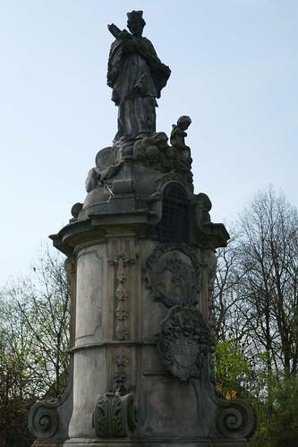 Cokół z figurą św. Jana Nepomucena (1733) w Tyńcu nad Ślęzą