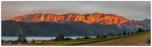 Alpenglühen im Höllengebirge - tonmapping