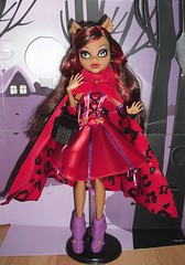 Little Dead Riding Wolf (Lagoona89) Tags: snow monster dead high scary wolf little tales riding bite clawdeen draculaura