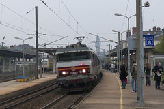 20130503 006 Epernay. 15003 Approaches With Train 839116, 06.36 St Dizier-Paris Est (15038) Tags: france electric trains locomotive railways epernay sncf 15003 bb15000