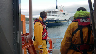 Oban lifeboat getting stern tow in position Oban RNLI