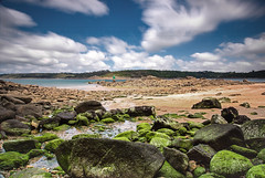 flickr3 (guix29) Tags: longexposure blue sea sky cloud seascape france green beach water rock landscape sand sable wave bretagne bleu boulders ciel shore nuage vague plage rochers verte finistre balise dourven