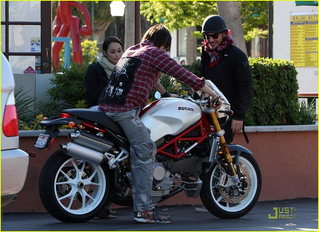 jared-leto-motorcycle-04