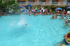 2013 rits sat pool party (65)
