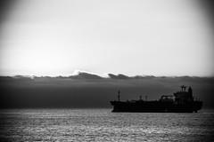 (. . .) Tags: chile sea sky white black del clouds gris mar ship via bn v cielo nubes parallels region buque lineas pararelas