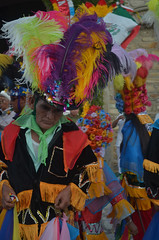 DSC_0165 (xavo_rob) Tags: ballet colors de mexico dance nikon couleurs danza danse colores mexique tufts veracruz colori mexiko farben danzas messico nicon  sanmiguelarcangel penacho  penachos  balletti zozocolco  xavorob nikond5100 danzamorosycristianos trapuntare