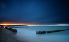 sand stop in Wissant (Emmanuel DEPARIS) Tags: sea mer seascape france beach de gris boulogne cap sur pas nez plage emmanuel calais manche wissant wimereux blancnez deparis