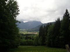 Wandern ... (bayernernst) Tags: berg bayern deutschland oberbayern wiese berge mai wandern inzell 2015 chiemgau 26052015 snc19986