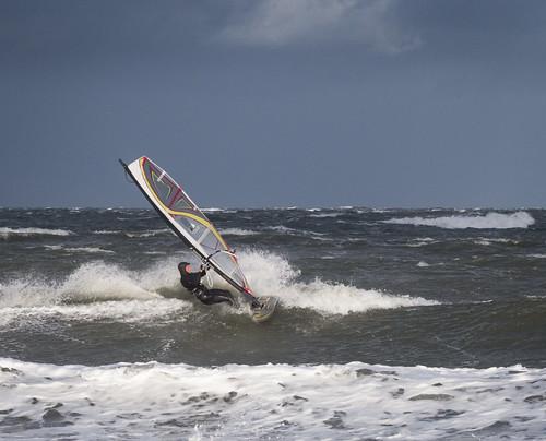 Surfen auf der winterlichen Ostsee