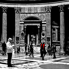 Pantheon, Roma (pom.angers) Tags: canoneos400ddigital february 2017 rome roma pantheon basilicadisantamariadellarotonda santamariadellarotonda lazio italy italia church ancientrome people 100 5000