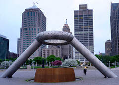 Sunrise Meetup (FrogBum) Tags: michigan photographers detroitriver detroitmichigan hartplaza detroitriverwalk horacedodgefountain