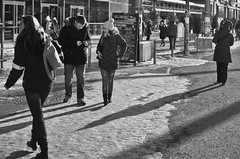 Lo encuentras? (greatkithain) Tags: street bw berlin byn flickr pentax streetphotography bn alemania marzo 2013 dzoom flickrstars flickraward bestofbw flickrestrellas pentaxart naturpixel mygearandme ringexcellence pentaxawards k5pentaxians