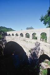Vaganais- Aqueduc enjambant l'Arre