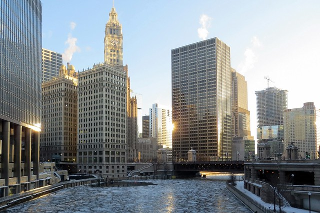 Loop and icy Chicago River