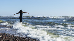 (Rambynas) Tags: sea girl balticsea lithuania seacoast lietuva karkle