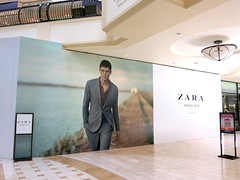 Retail, Zara at The Oaks, Barricade Graphics