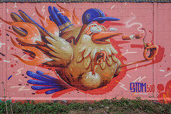 Fais la poule ! Graff by Stom500 (Steph Land) Tags: poule poulet stom graffiti graff graffeur artiste streetart wall robots spray sprayart peinture peintre street art extérieur surréaliste jpp jpps stom500 chat cat zeisslens zeiss carlzeisslenses carlzeiss