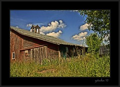 Time Does Not Heal Everything (the Gallopping Geezer '4.4' million + views....) Tags: barn building structure farm abandoned weathered decay decayed worn faded neglected country rural michigan mi upperpeninsula up roadtrip canon 5d3 tamron 28300 geezer 2016