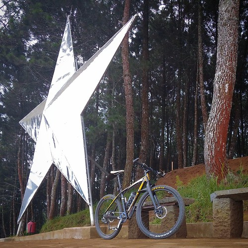 Giant star-shaped beacon in Puncak Bintang