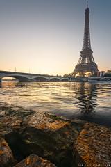 Tour Eiffel (www.thierryfaula.com www.thierryfaula.com www.thie) Tags: eiffel tour tourisme touristique capitale capital paris parisien parisienne france français franc monument seine eau bateau matin coucher soleil lever solaire ensoleillé d800 nikon