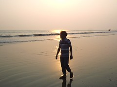 On a mild day. Everything was quiet but the the sea. (ferdoush007) Tags: bay walk walking bayofbengal sea সাগর