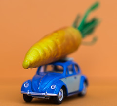Heavy Transport - HMM !! (marionrosengarten) Tags: macromondays hmm mm toy toycar blue orange macro tamronmacrosp90mmf28divcusd nikon easter carrot orangeandblue itsurvived vw beetle