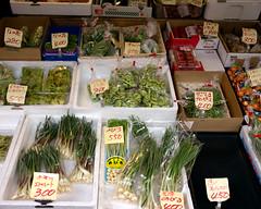 Tokyo50-47 (Diacritical) Tags: japan tokyo tsukiji food street april32017 leicacameraag leicamtyp240 summiluxm11435asph f34 ¹⁄₃₅₀sec centerweightedaverage