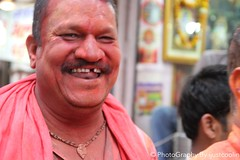 the laughing budha (ijustcoolin) Tags: red india color laughing budha