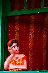 (Andr Bispo) Tags: brazil brasil canon cores sopaulo 55mm porta janela boneca barro paranapiacaba ferrovia colorido trm spr santoandr tupi namoradeira vilainglesa bonecadebarro deondeseavistaomar canoneosrebelt3i andrbispo