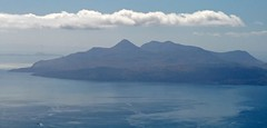 The Rum Cuillin from The Black Cuillin (RoystonVasey) Tags: blue sky mountain snow black skye ice sunshine rock canon landscape eos scotland zoom na ridge rum usm friday fabulous 70300mm isle munro cuillin sgurr 400d 965m bannadich