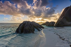 La Digue island sunset - Seychelles (lathuy) Tags: ocean sea mer water island eau turquoise indian ile explore seychelles indien cocos explored