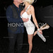 Courtney Stodden e Doug Hutchison deixam o Chateau Marmont em We