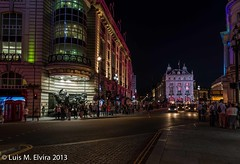 Piccadilly Circus to detail. (luisephoto) Tags: inglaterra europa paisaje piccadillycircus ciudades londres urbano largaexposicin granbretaa