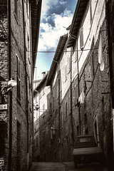 Urbino (Marche, Italy) (Franco Santangelo (thx for 900.000+ views)) Tags: street travel vacation bw italy white black history canon photography ancient italia sigma medieval historical marche