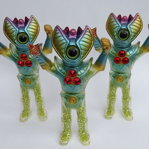 Helios! Limited to 3. Available from tomorrow at Rampage Studios '3 guys walked into a bar' show Starts 7:00pm.   #galaxypeople #sofubi